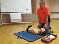 pierwsza pomoc z ratownikiem medycznym
